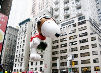 Thanksgiving Parade New York - Manhattan - Macys Parade - Central Park to 34th street - Snoopy, Shrek, Mickey Mouse, Dumbo, New York Highlights