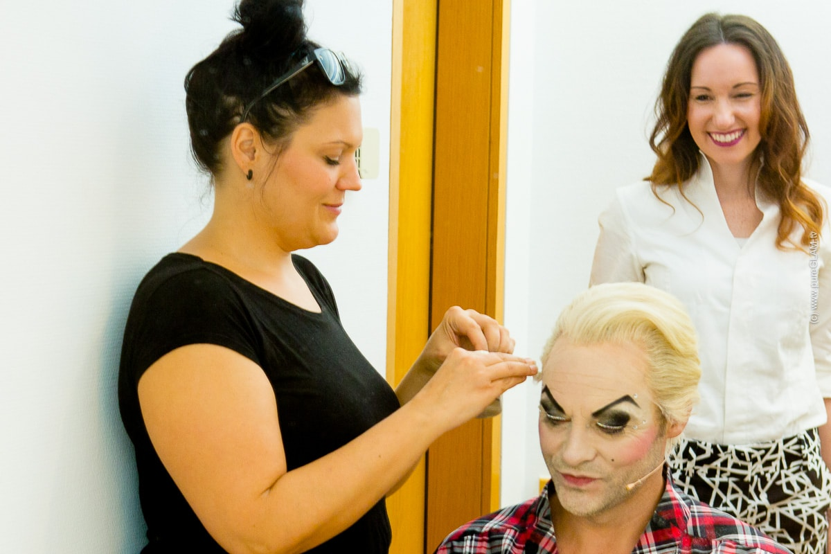 Rocky Horror Show - Rock 'n' Roll Musical - Köln Philharmonie - Umstyling Rob Fowler zu Frank 'n' Furter - Make-Up und Maske - Sweet Transvestite - Vanessa Pur - pureGLAM.tv